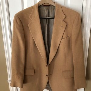 Men's tan suit jacket